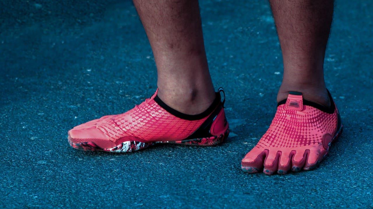 cheaper 2322b 6b165 Ju mer du ser av foten i avtrycket desto lägre fotvalv. Du kan jämföra  avtrycket med bilden ovan – vilken matchar din fot